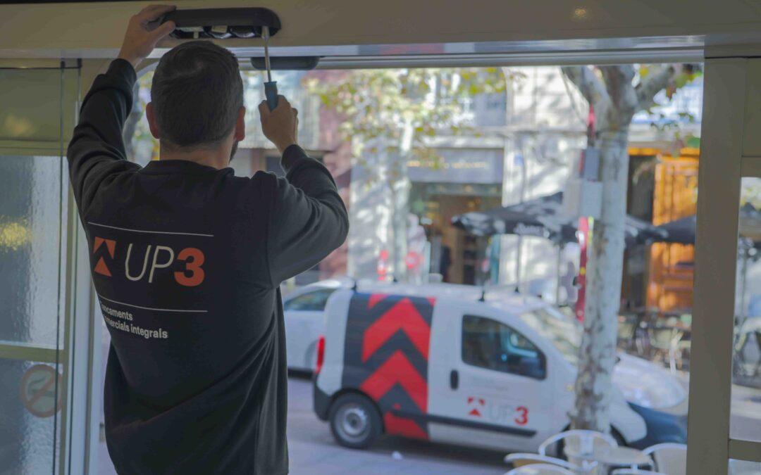 Evita tiradors de porta manuals amb les portes automàtiques d'UP3